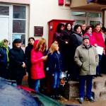 PROTEST: Angajaţii APIA nu cer salarii mai mari, ci să nu li se ia din...