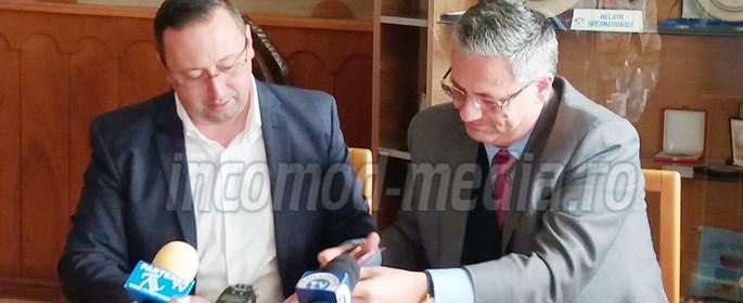 semnare contract pucioasa 2