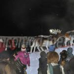 FOTO: Moş Crăciun a sosit la Târgovişte şi împarte daruri copiilor toa...