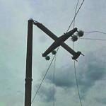 DÂMBOVIŢA: Hoţii de lemne au lăsat fără energie electrică patru comune...