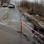DÂMBOVIŢA: Circulaţie restricţionată pe drumul spre Bezdead, din cauza...