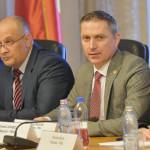 DEZBATERE: Soluţiile parlamentarilor la problemele românilor din afara...