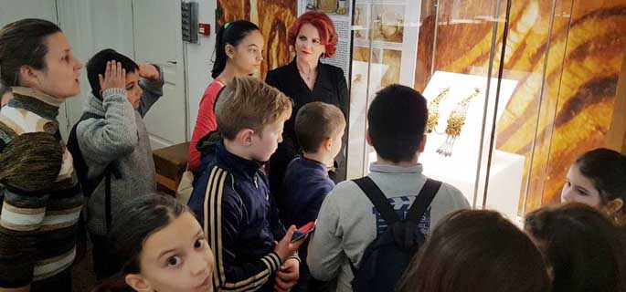 claudia gilia elevi muzeu 1