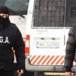 DÂMBOVIŢA: Agent de poliţie de la Înmatriculări Auto, săltat de DGA!