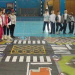 CĂLĂRAŞI: Lecţie practică de educaţie rutieră la Şcoala Nicolae Titule...