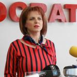 DÂMBOVIŢA: Femeile social-democrate strâng bani pentru o elevă bolnavă...