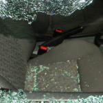PRAHOVA: S-au luat la harţă în trafic şi s-a ales cu maşina făcută pra...
