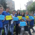 DÂMBOVIŢA: Peste 400 de persoane au sărbătorit Ziua Europei în stradă,...