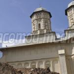 DÂMBOVIŢA: Oseminte aruncate de-a valma pe şantierul de la Mânăstirea ...