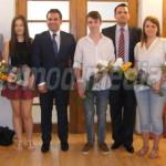 DÂMBOVIŢA: Elevii de nota zece au fost premiaţi de Primăria Târgovişte