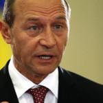 LOVITURĂ: Traian Băsescu cere reexaminarea legii care îi scapă pe aleș...