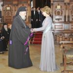 DÂMBOVIŢA: Mitropolitul Nifon a fost decorat de regele Mihai I al Româ...