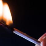 DÂMBOVIŢA: Oprit la timp! Un bărbat ameninţa că-şi dă foc în sediul Ju...