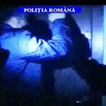 UPDATE: Vezi ce au confiscat poliţiştii de la şantajiştii care-şi făce...