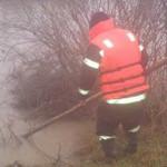 TELEORMAN: Fetiţă de 3 ani dispărută în apele pârâului Dâmbovic. Pompi...