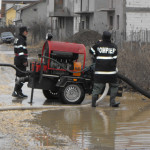 IALOMIŢA: Intervenţie ISU la Giurgeni, pentru evacuarea apei din gospo...