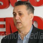 DÂMBOVIŢA: Sandu Oprea studiază informativ comunicatele lui Dan Micule...