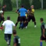 FOTBAL: Arbitru, lovit cu pumnii şi picioarele în Dâmboviţa, la Zăvoiu...