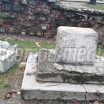 FOTO: Parcul Mitropoliei din Târgovişte a fost devastat noaptea trecut...