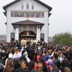DÂMBOVIŢA: Slujbă de târnosire a bisericii Sf. Dumitru din Lunguleţu