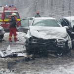 PRAHOVA: 30 de persoane rănite în accidente rutiere, în mai puţin de 1...