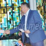 RECOMPENSĂ: Consiliul Judeţean Dâmboviţa i-a premiat pe cei 13 absolve...
