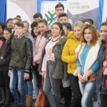 SPRIJIN: Tinerii din mediile defavorizate primesc finanţare să-şi ia p...