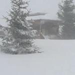 ATENŢIE! Vânt puternic şi zăpadă de 2 metri în Bucegi! VIDEO