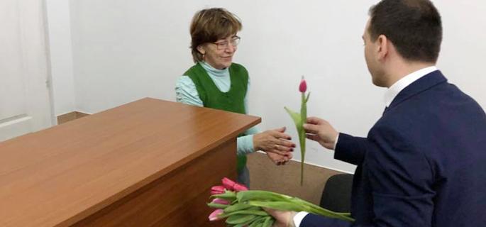 flori 8 martie razvad 4 k